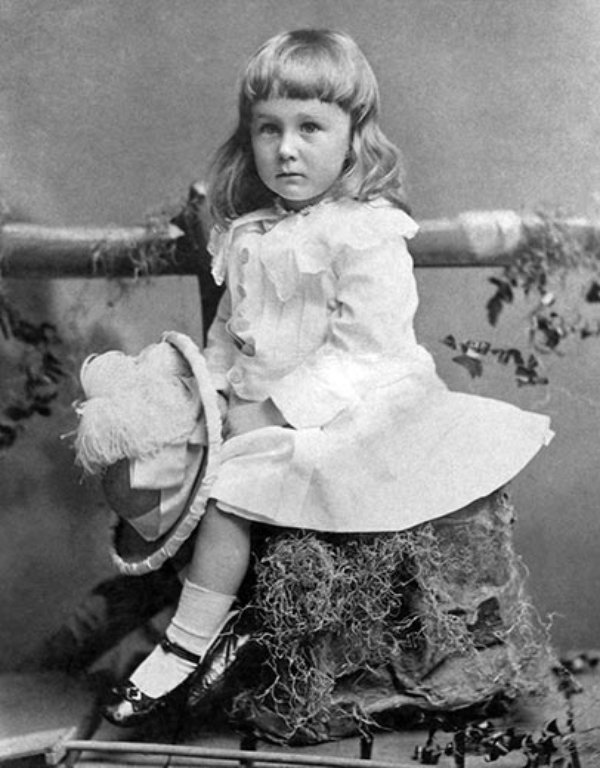 Franklin Roosevelt wearing a white dress